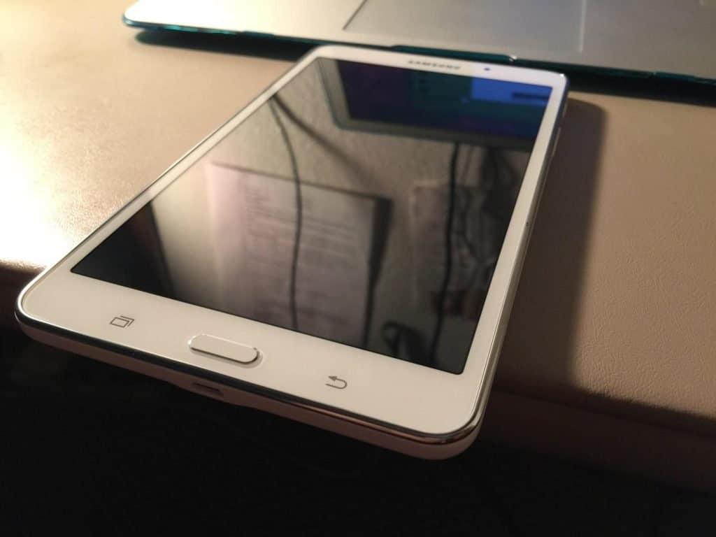 Samsung Galaxy Tab E Lite Kids Edition or Samsung Galaxy Tab 4