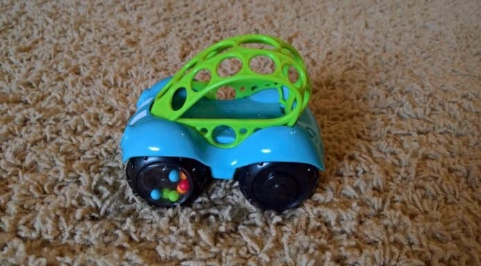 O Ball 1-Piece Rattle and Roll Car