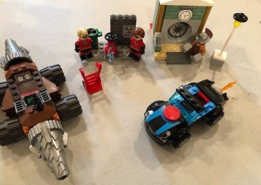 LEGO Juniors/4+ The Incredibles 2 Underminer Bank Heist 10760 Building Kit