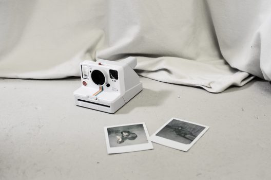 How to take good photos with an instant camera
