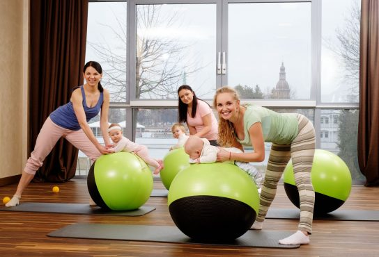 Mom and baby postpartum exercise