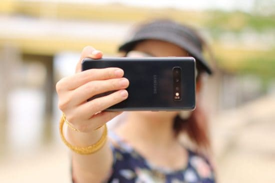 Virtual scavenger hunt selfie